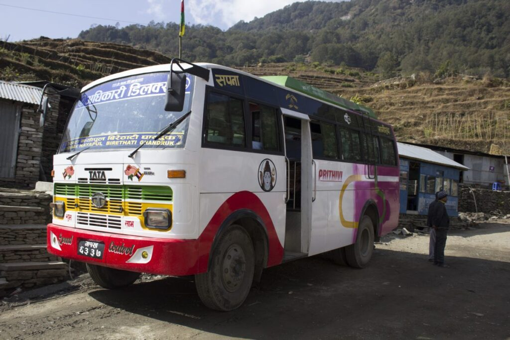trekking por nepal autobus a Pokhara