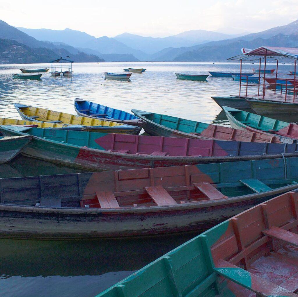 Que ver en Pokhara: lago Phewa