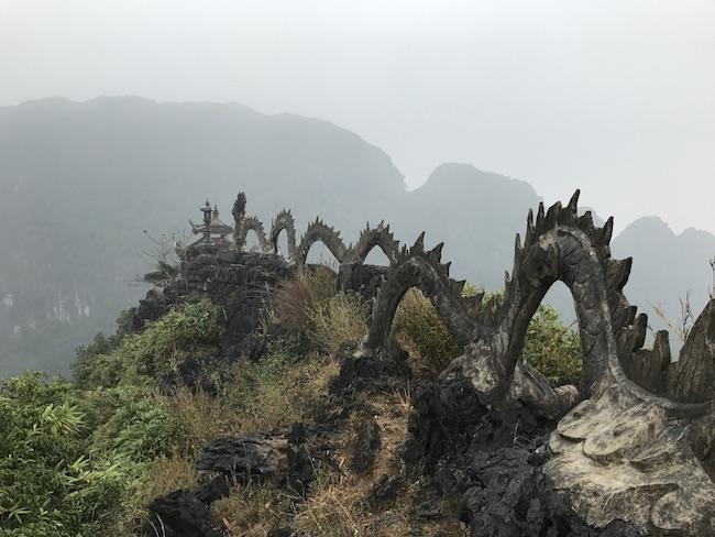 Dragón en Mua Cave