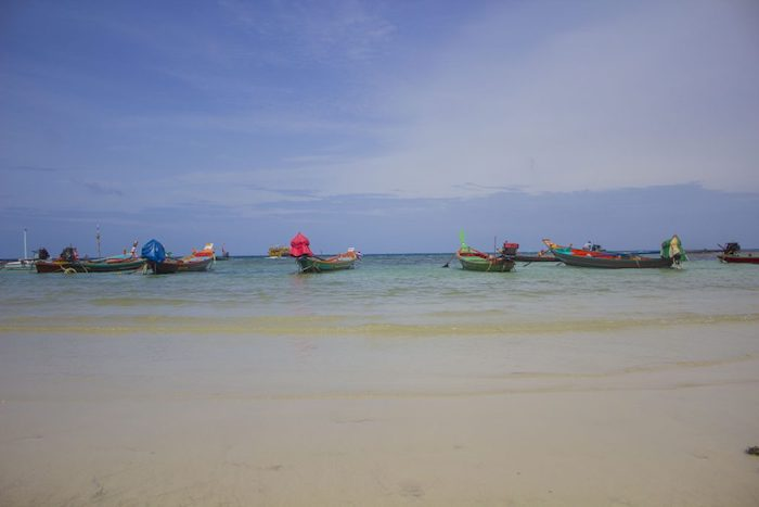 barcas en phi phi