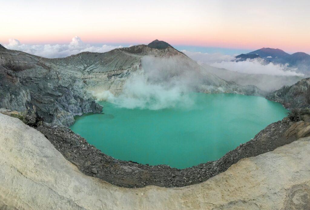 lago volcán ijen