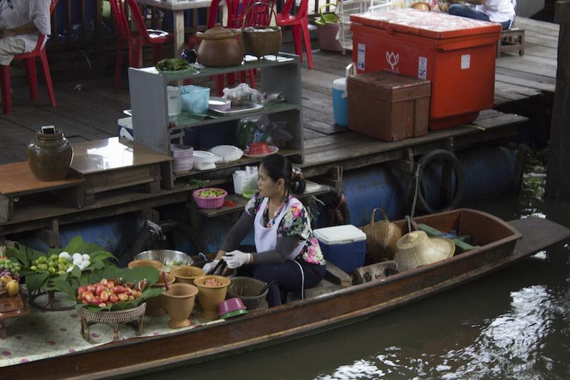 que ver cerca de bankok mercados flotantes