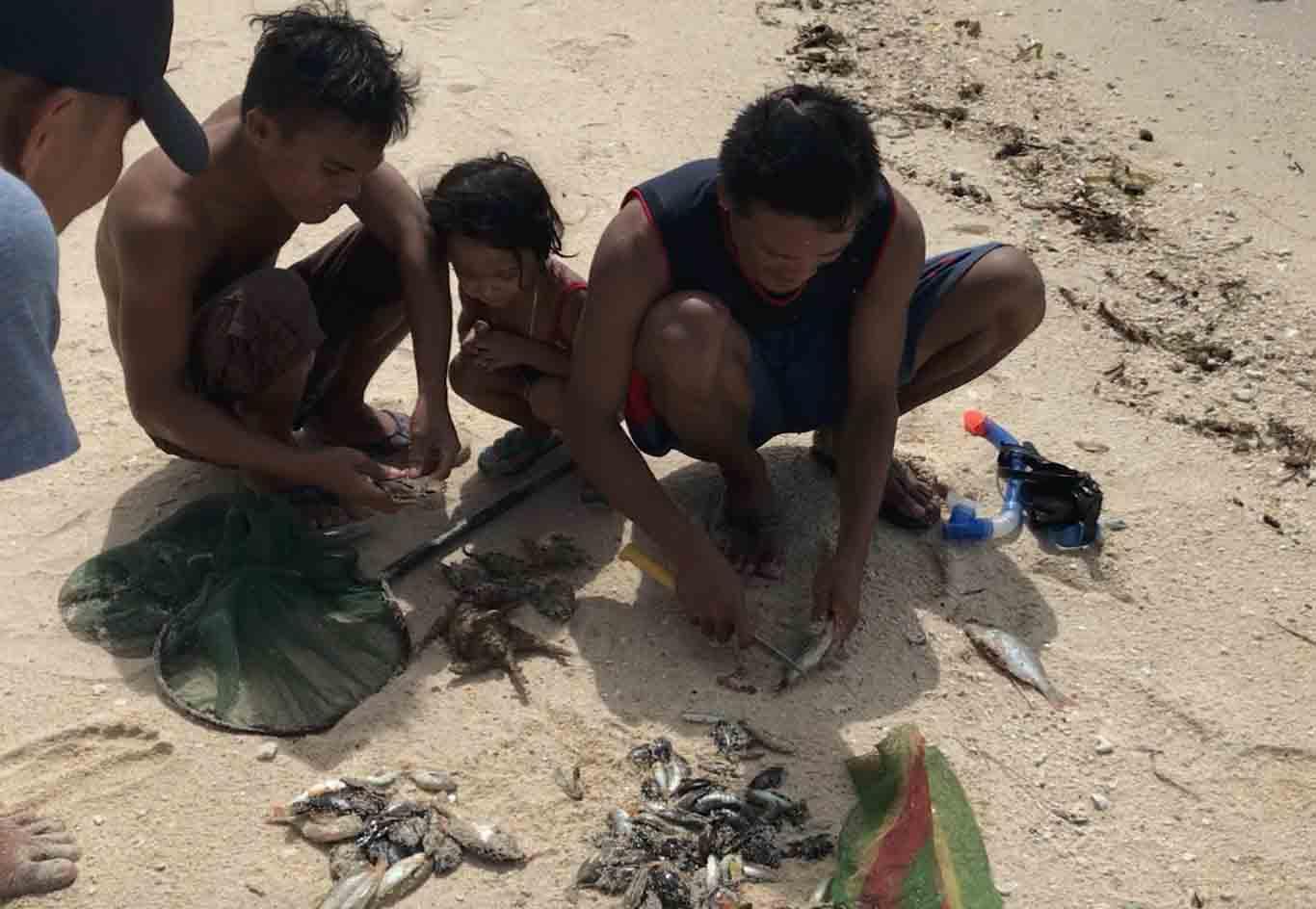 pescadores white beach moalboal